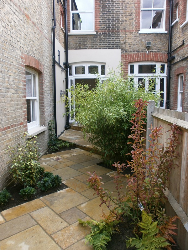 Garden design twickenham scott lawrence garden design - Small backyard landscape designs ...