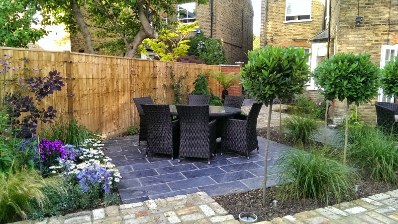 landscaped dining area